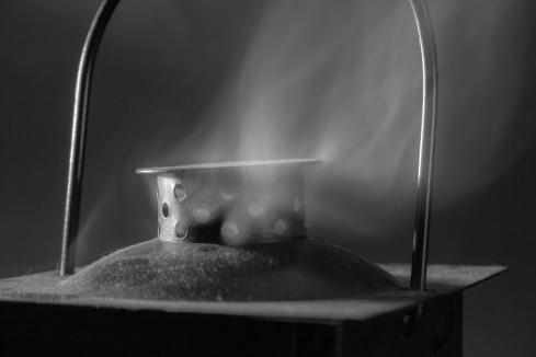 FUMO - Paolo_Vaccari_portacandela fumante